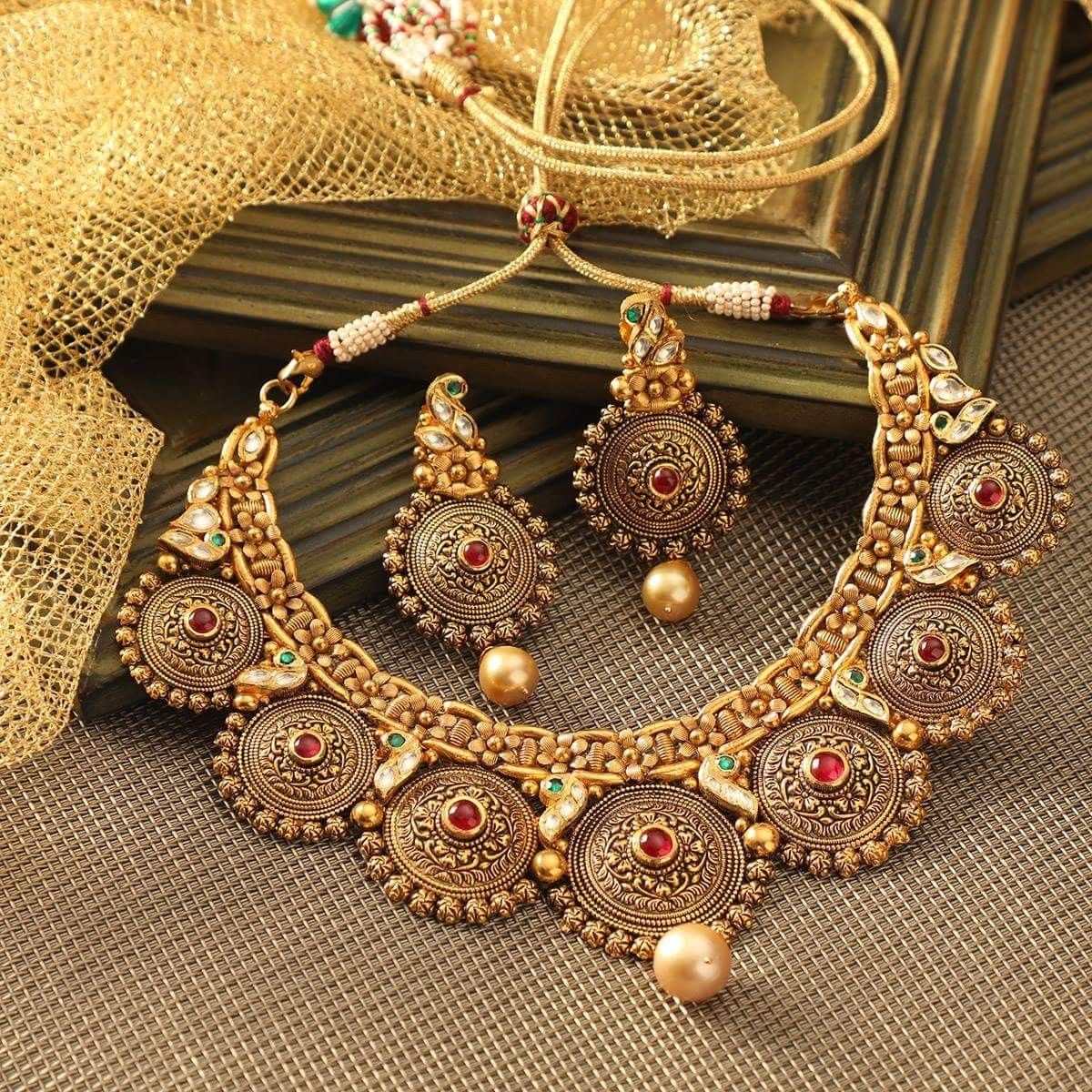 Pin by ayushi agarwal on jewllery pinterest gold jewellery