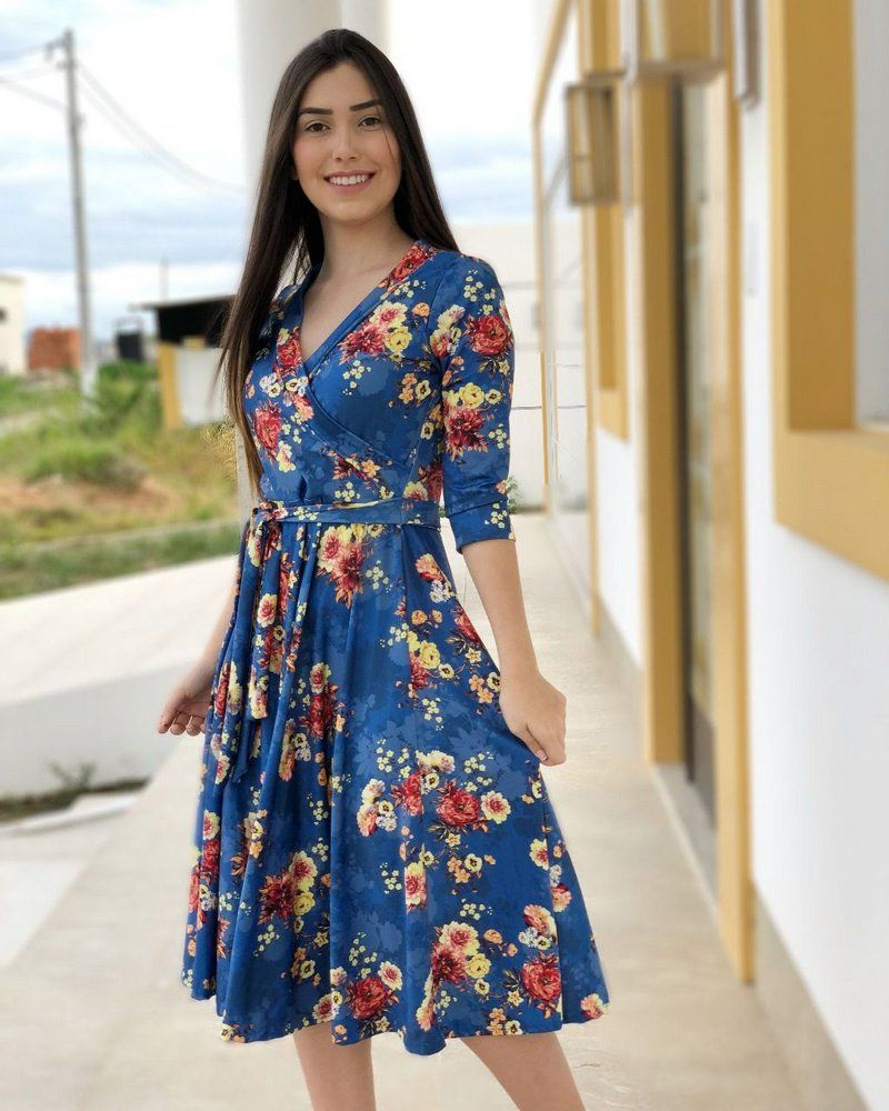 d9ed03042 Vestido Midi Letícia Azul floral - Moda Evangélica - Flor de Amêndoa