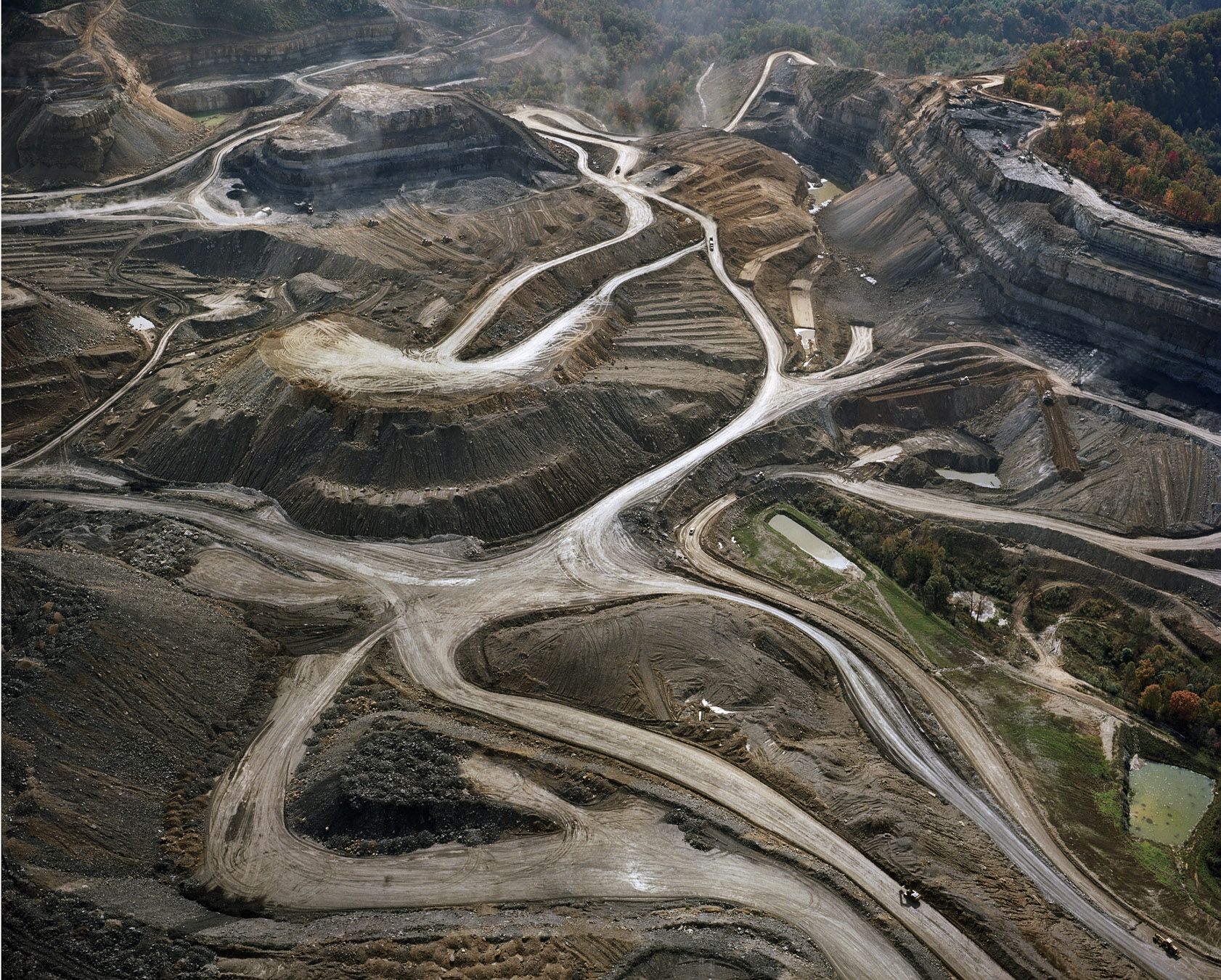 mountaintop removal mining Mountaintop removal mining is a very controversial environmental issue with many pros and cons on both sides of the argument i have found three different articles with three contrasting views in the sense that they are from different geographic regions.