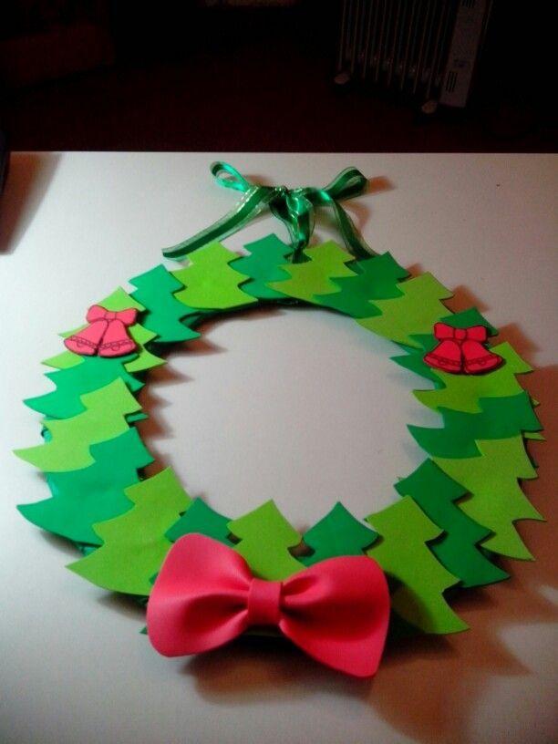 resultado de imagen para decoracion de corona navidea facil para nios - Adornos Navideos De Goma Eva