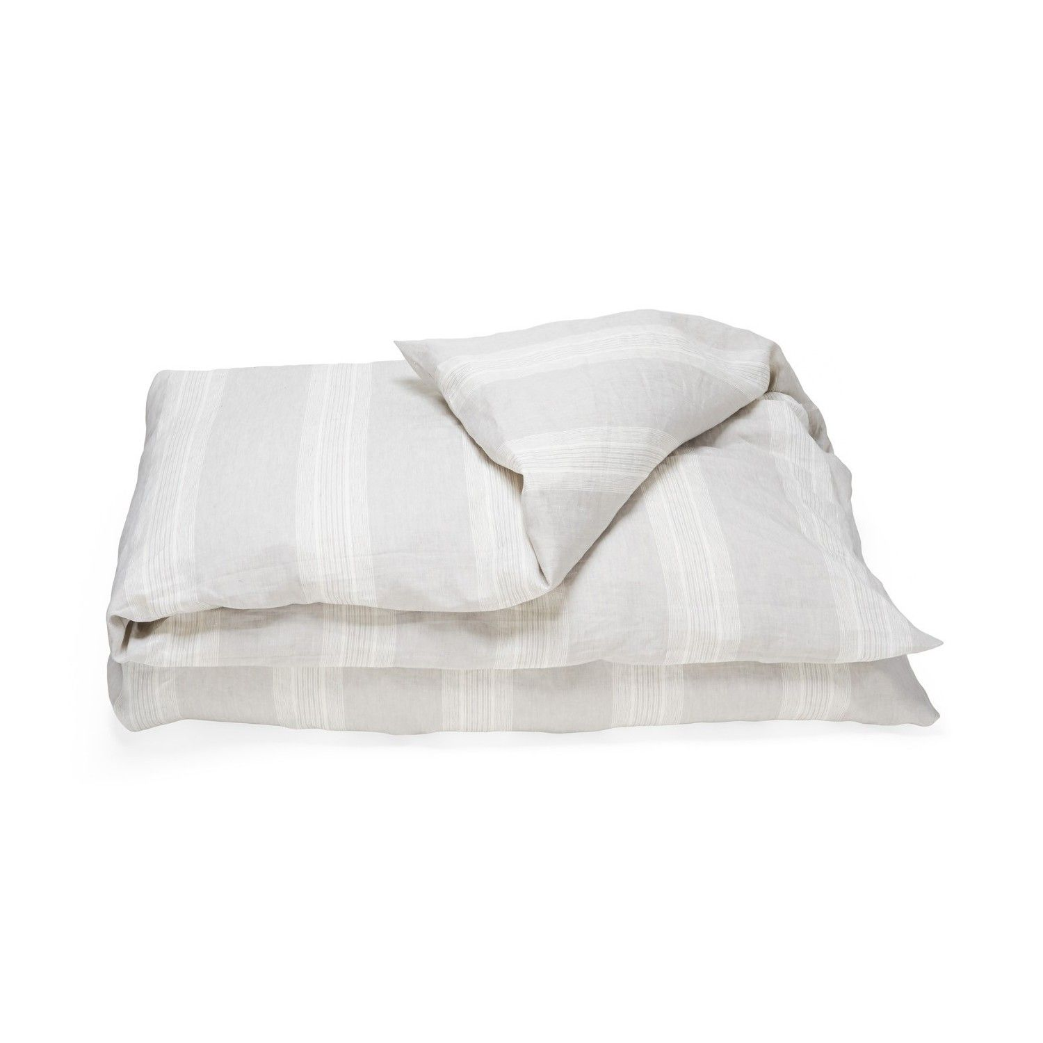 Libeco Sisco Bedding  Made from natural Belgian linen, the Santiago pillowcase is pre-washed for that soft, smooth feel. Embodying the true look of linen in cool, crisp colors, the Santiago collection blends casual comfort with upscale luxury for an always elegant look.