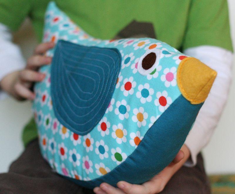 bird pillow n hzeugs pinterest kissen kissen selbst n hen und n hprojekte. Black Bedroom Furniture Sets. Home Design Ideas