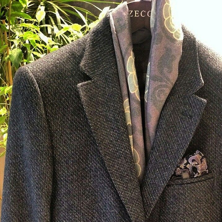 100% Wool Coat with pocket and scarf