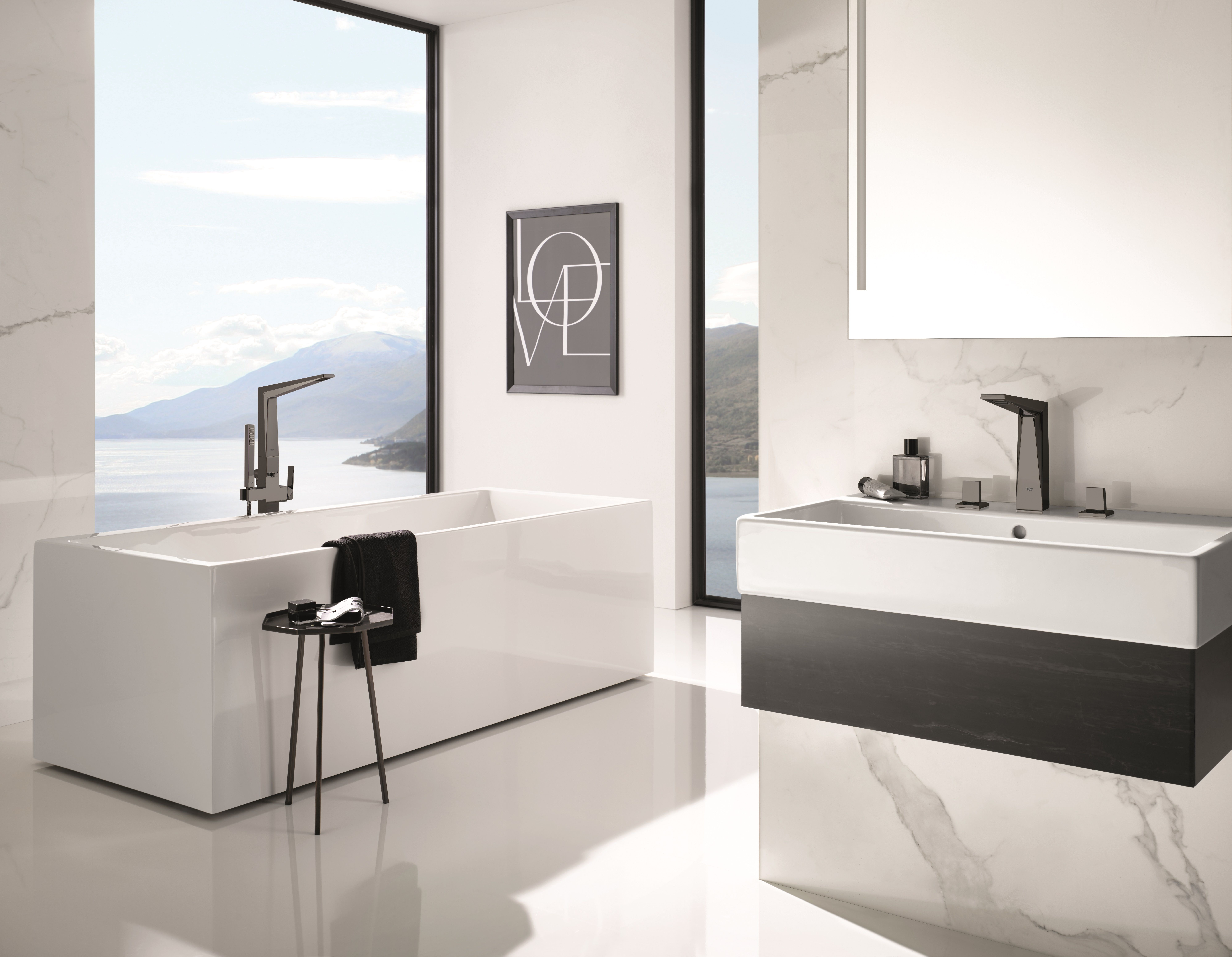 Color individuality, for a small bathroom 52