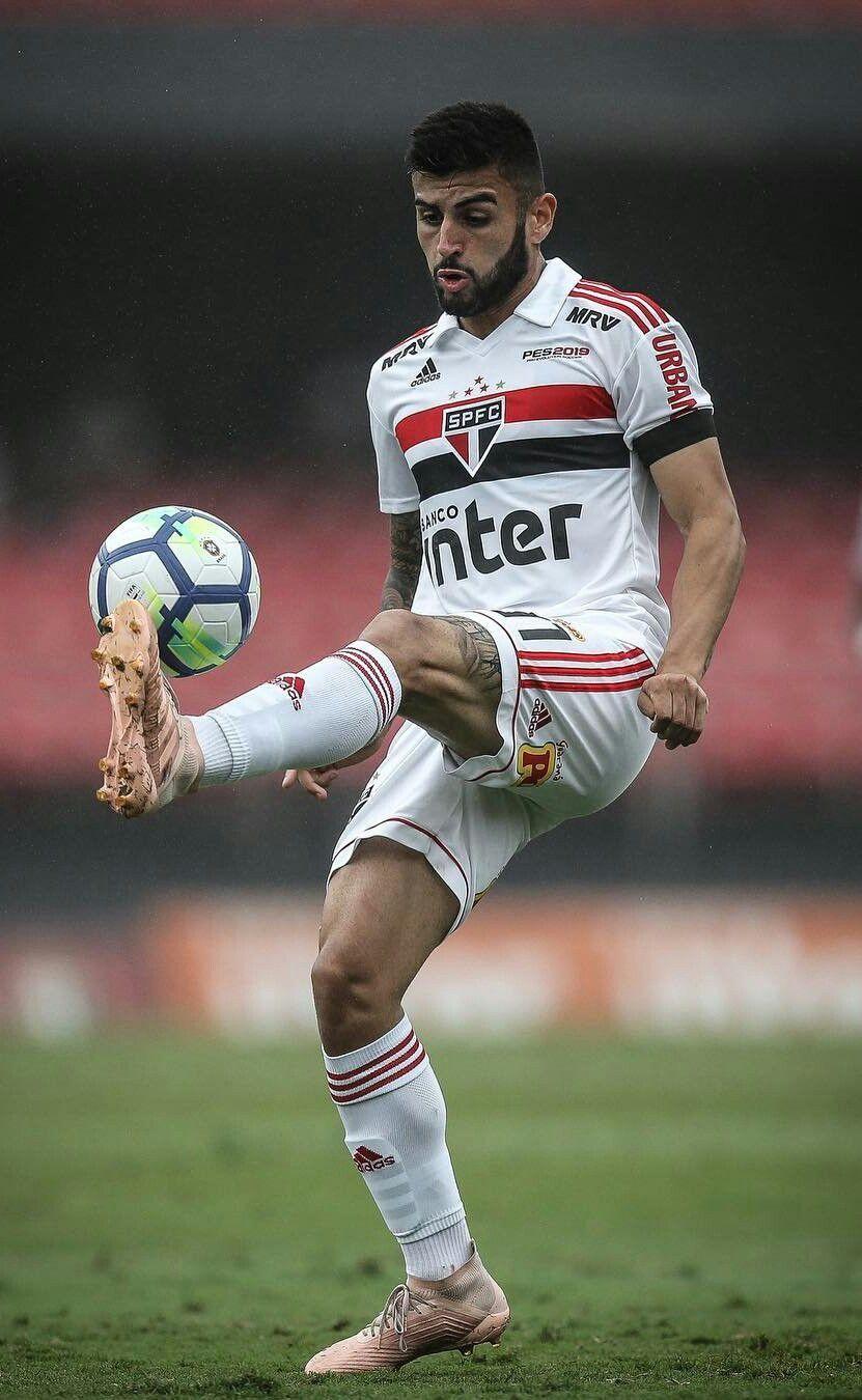 Pin de กองกลาง เก่งทุกทาง em หงส์ São paulo futebol