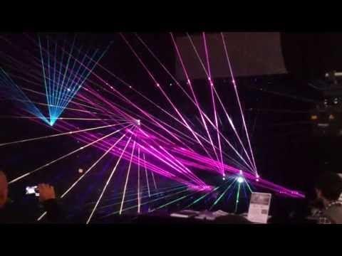 """Lasershow am Stand von """"Laserworld"""" (Ausschnitt) - Prolight + Sound 2013 - Messe Frankfurt - YouTube"""