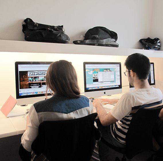 Comenzamos las clases del Máster de Diseño Web, impartido por nuestro profesor Adrián.