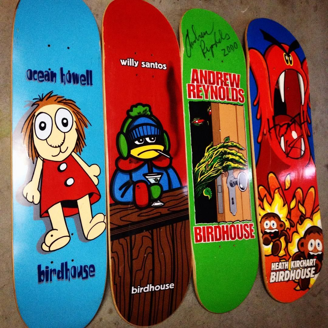 """""""Everyday I hold these. I'm constantly fiddling with my decks . Ocean.Willy.Andrew.Heath. LEGENDS.  #birdhouseskateboards #oceanhowell #willysantos…"""""""