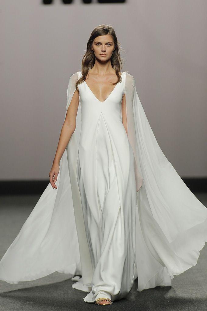 marcos luengo : vestido de novia y (no) novia de la mbfwmadrid ss