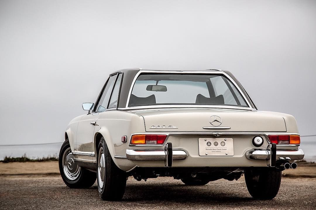 Pagoda lines 1971 280 SL restored at the MercedesBenz