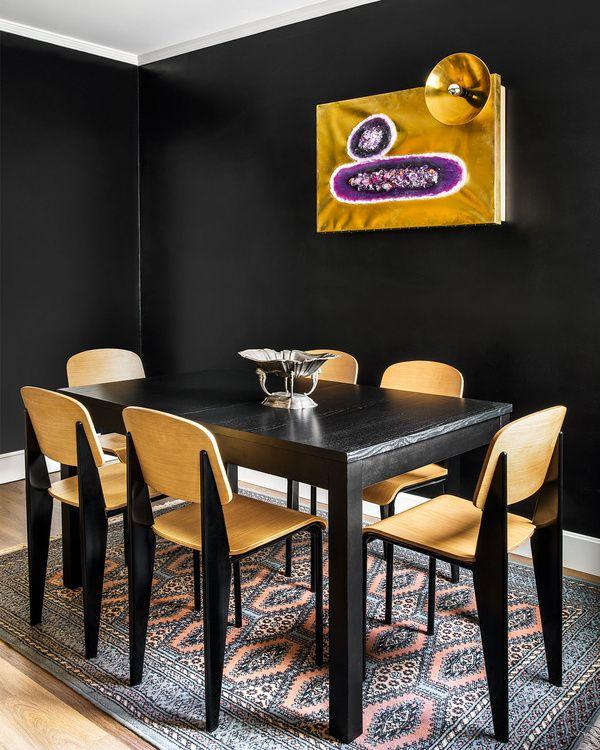 Small Space Decorating Ideas /// More on Interiorator.com