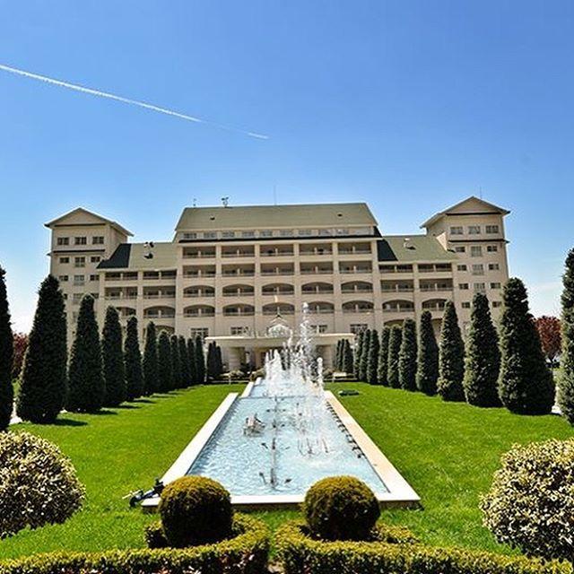 Qafqaz Riverside Resort Hotel Qəbələnin Turizm Zonasina Aid 20 Hektar ərazidə Dəmiraparan Ca Riverside Resort Hotels And Resorts Tourist Destinations