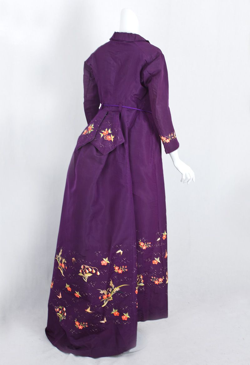 Dressing Gown: ca. 1870\'s, silk taffeta, Chinese hand embroidery ...