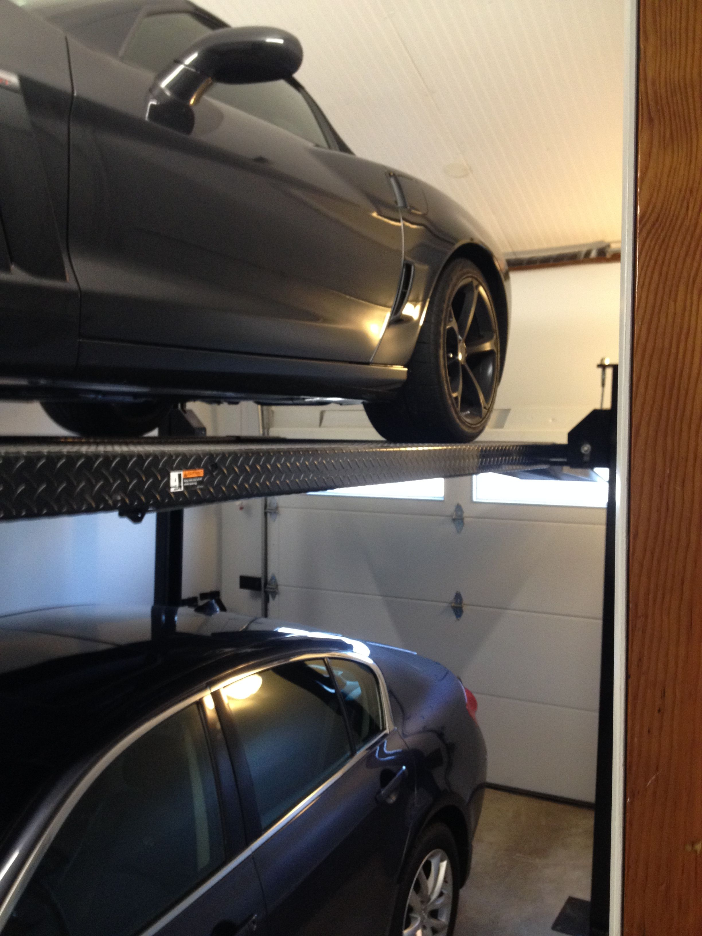Car Lift In Garage Garage Car Lift Man Cave Makeover Diy Garage Car Lift Garage
