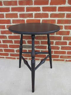 Early American Style Windsor Table