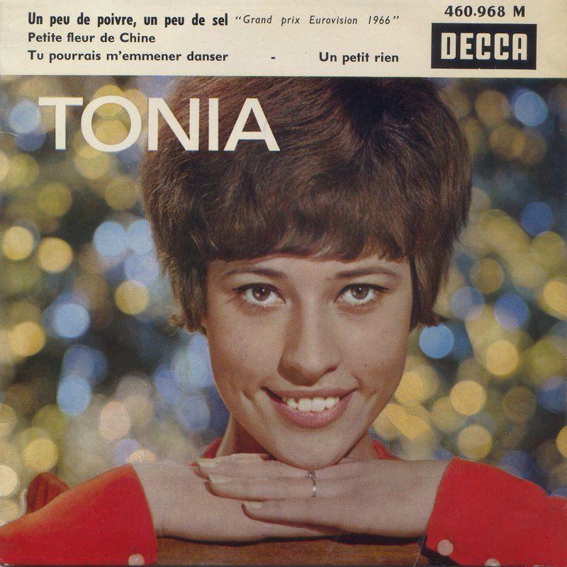 """Belgium stillede op med et frisk bidrag i 1966. Tonia synger: """"Un Peu De Poivre, Un Peu De Sel"""". Oversat til dansk """"En smule peber - en smule salt""""."""