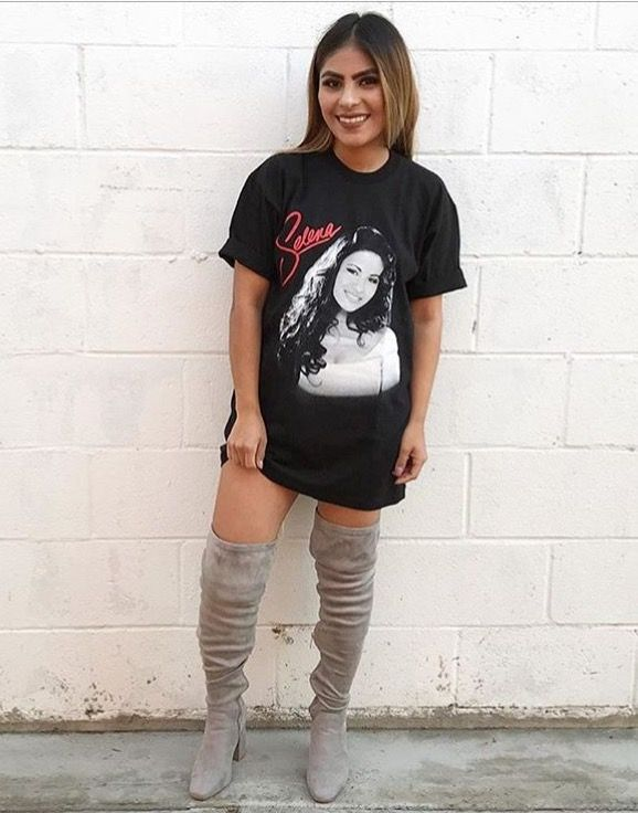 7bbec589c35 Selena Quintanilla shirt and boots outfit.