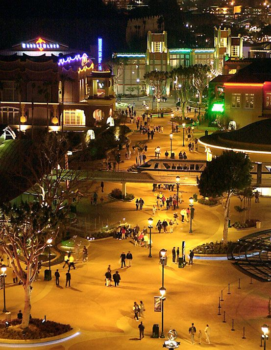 Downtown Disney Tons Of S And This Connects Both Disneyland California Adventure Parks