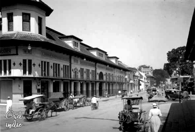 Toko De Vries Di Jalan Raya Pos Bandung 1930 Gedung Pariwisata Dunia