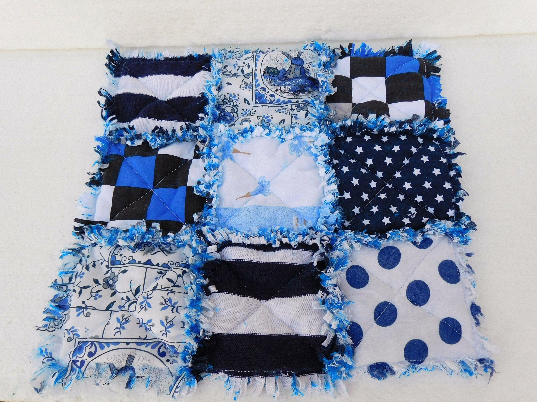 Blau Weisser Tischlaufer Rag Quilt Lap Quilt Landhaus Tischlaufer In 2020 Rag Quilt Arts And Crafts Quilts