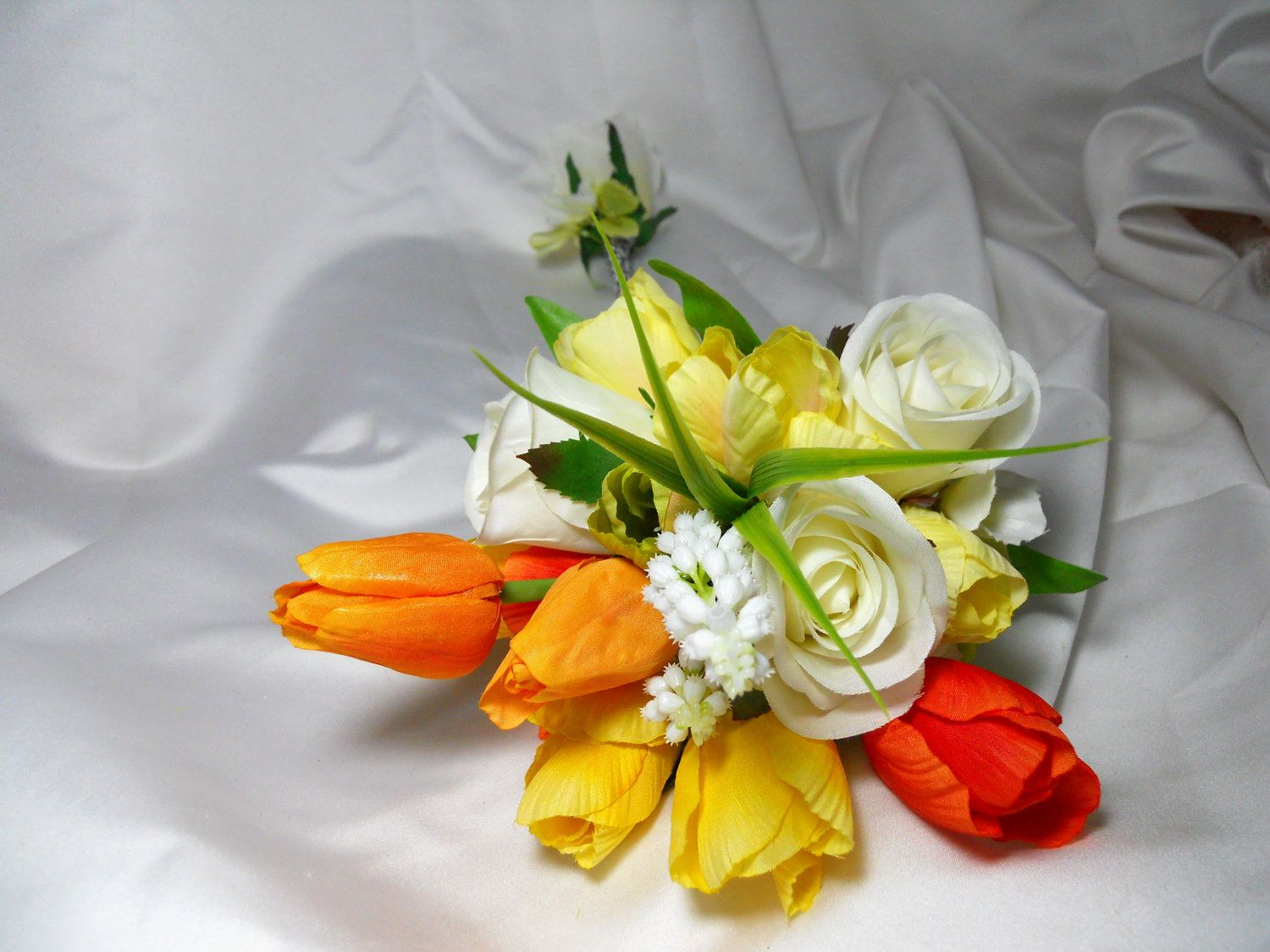 Red Yellow And White Wedding Bouquets Flower Shop Near Me Flower