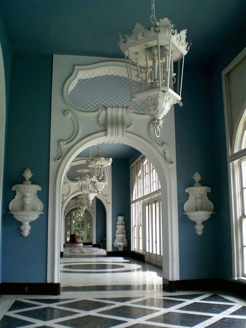 blue and white hollywood regency bash chinoiserie beautiful art fusion of east west. Black Bedroom Furniture Sets. Home Design Ideas