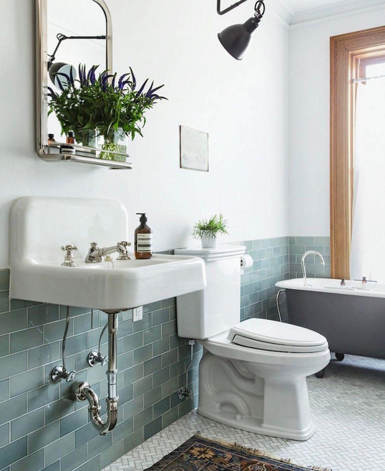 Pin Von Amanda Be Auf Badewannen Vintage Badezimmer Badezimmer Renovieren Bad Inspiration