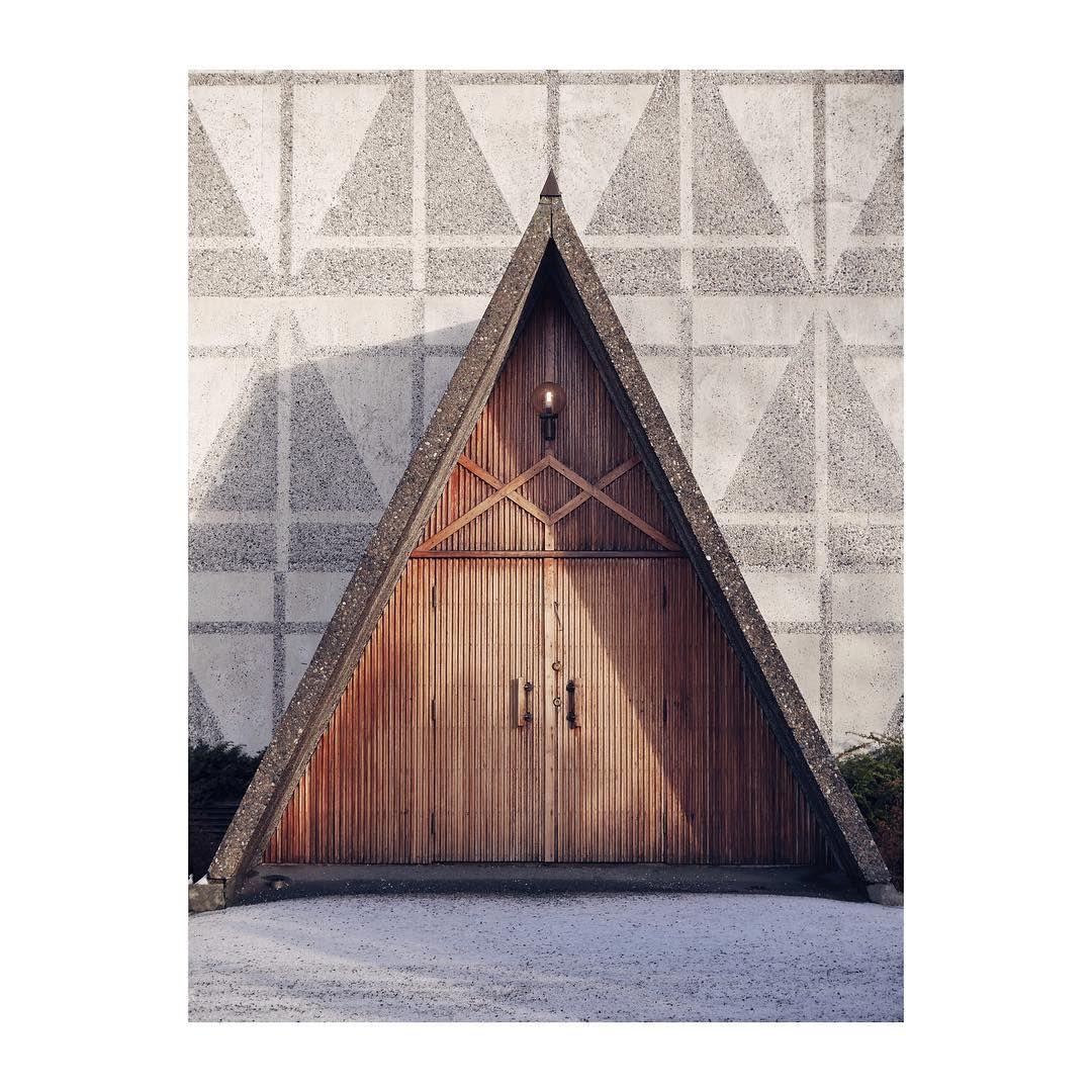 Bakkehaugen kirke, Arkitekt Ove Bang / Erling Viksjø