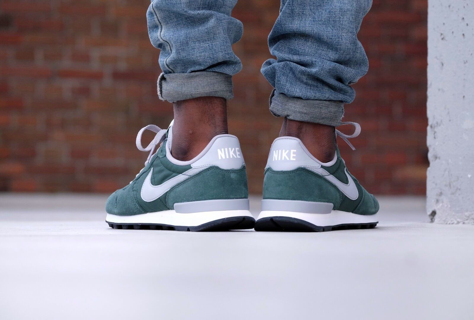 Nike Air Pegasus 83 Mens Trainers in Green at Scorpion Shoes.