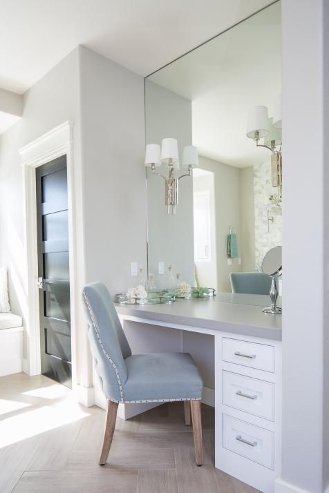 Who would not love having a dressing table in your house ...