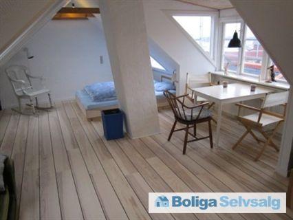 Fiskerstræde 1, 3700 Rønne - Hus på Bornholm med havudsigt, fjernvarme og anneks #rønne #villa #selvsalg #boligsalg