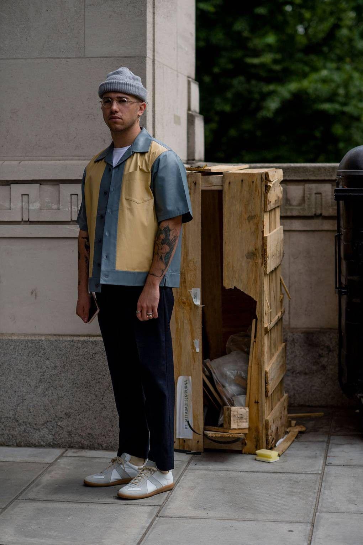 London Fashion Week Men s Spring Summer 2019 Street style   Fashion ... 9b8b8539e1