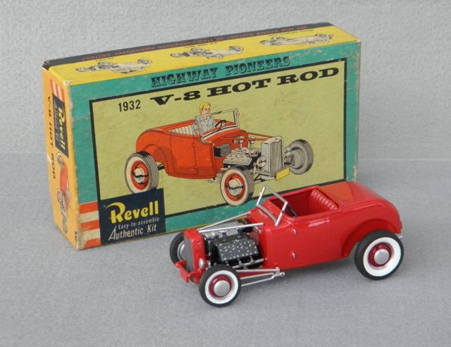 REVELLu0027s Highway Pioneers 1932 [Ford] Hot Rod was the first hotrod model kit I believe that the Revell (Highway Pioneers) kit was probably the first plastic ... & P1060798-001_zpsa0c5d14b.jpg | MODEL KITS 1/32 Scale. | Pinterest ... markmcfarlin.com