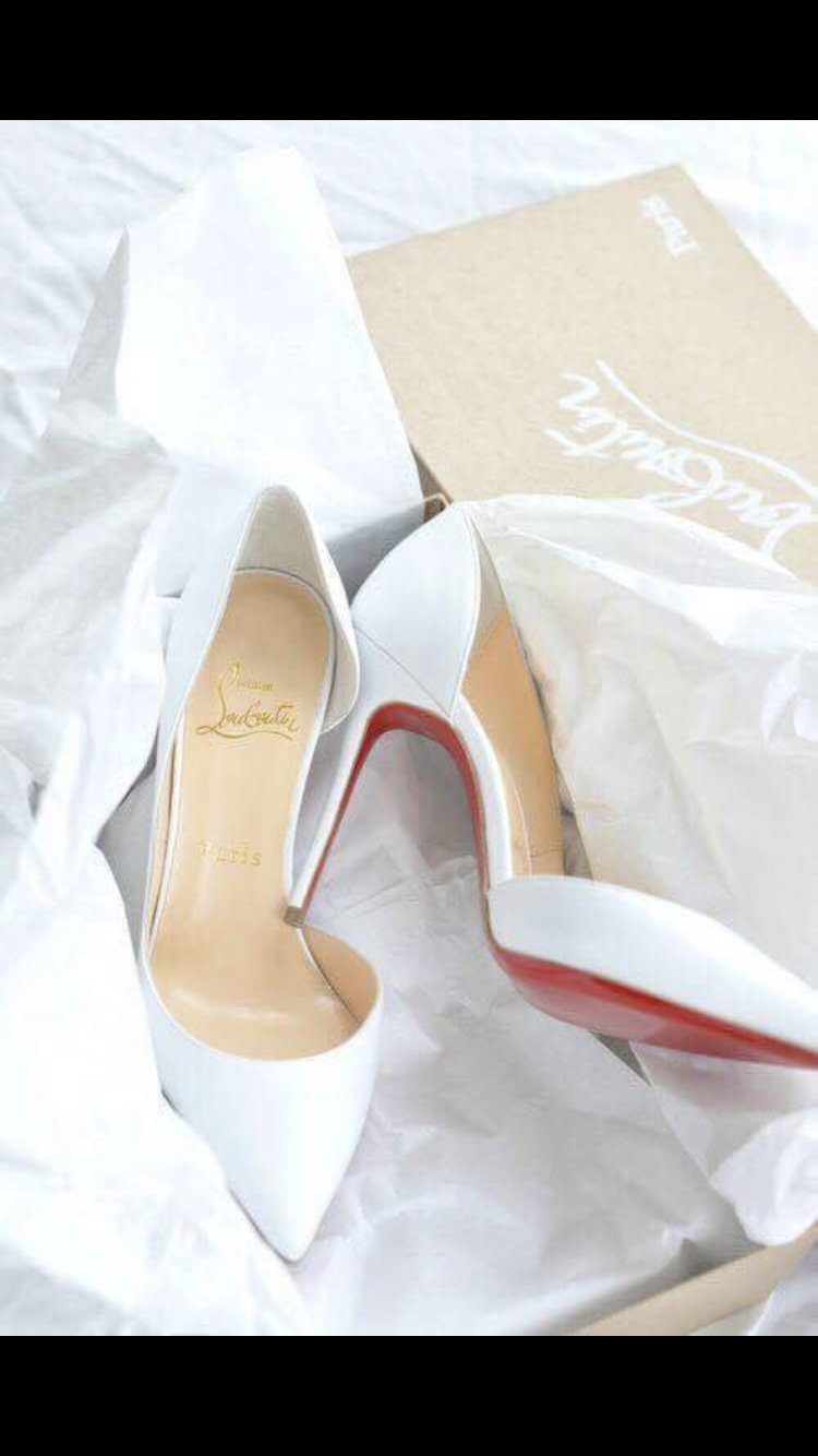 photos officielles e0aac dbe1a White heeks | White Heels in 2019 | Louboutin shoes, Fashion ...