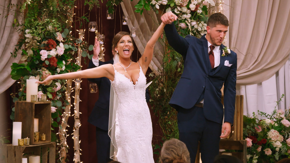 Are Love Is Blind S Barnett Amber Still Together After That Wild Finale Wedding In 2020 Wedding Nick And Vanessa Blinds