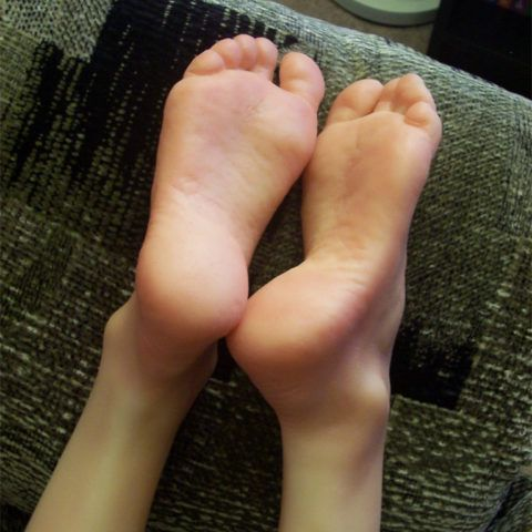 Fetish toe popping