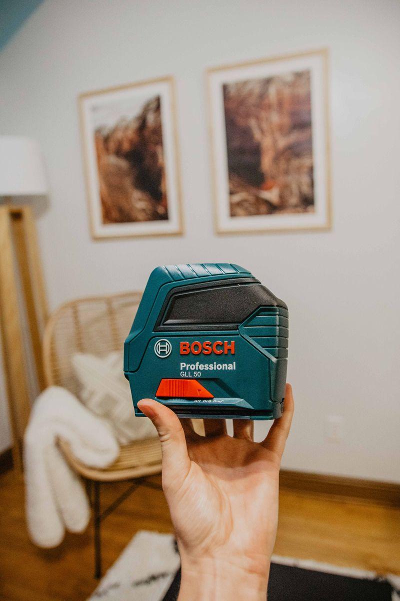 Bosch 50 ft self leveling cross line laser level dremel