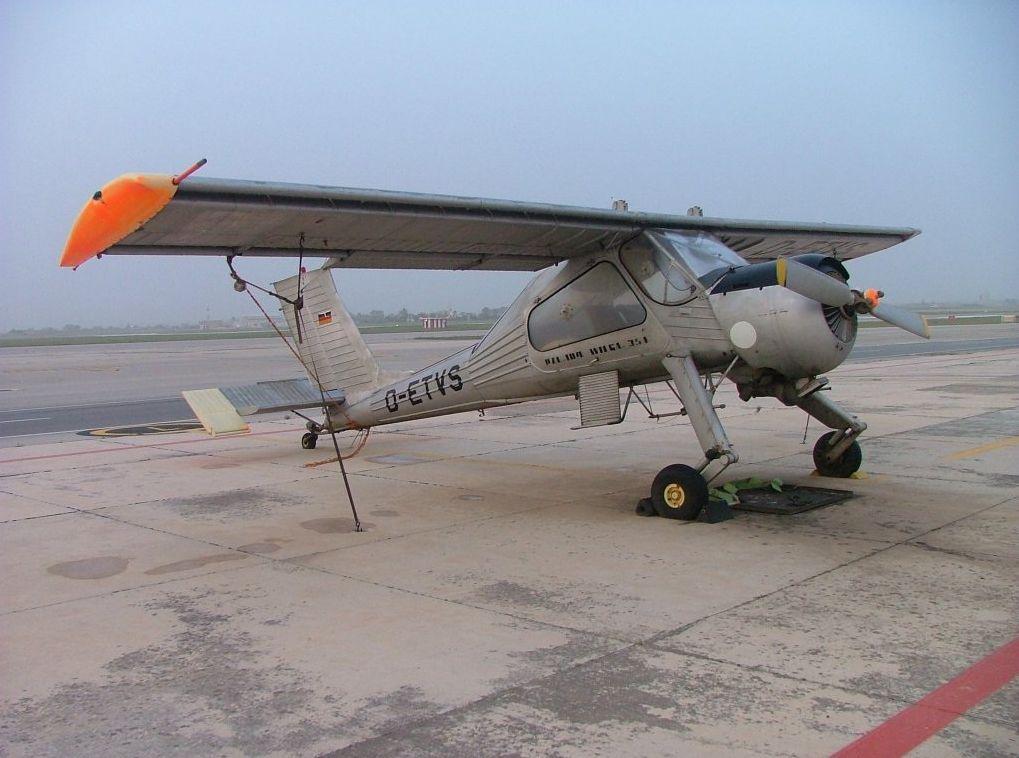 PZL-104 Wilga (Golden Oriole) #modeltrainbushes | Kool