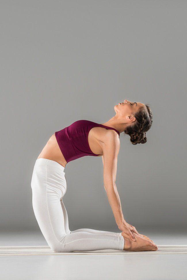 15 Asanas de yoga que te darán un abdomen plano