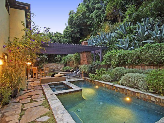 25 Spectacular Celebrity Pools Celebrity Hgtv Frontdoor Backyard Pool Designs Los Angeles Homes Amazing Swimming Pools