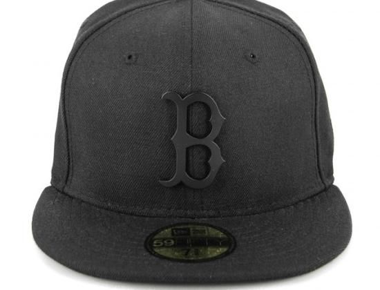 Boston Redsox Metal Black Matte 59fifty Fitted Cap By New Era X Mlb Fitted Caps Cap Fitted Baseball Caps