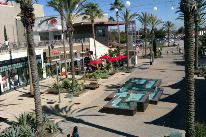 Fashion del amo fashion center