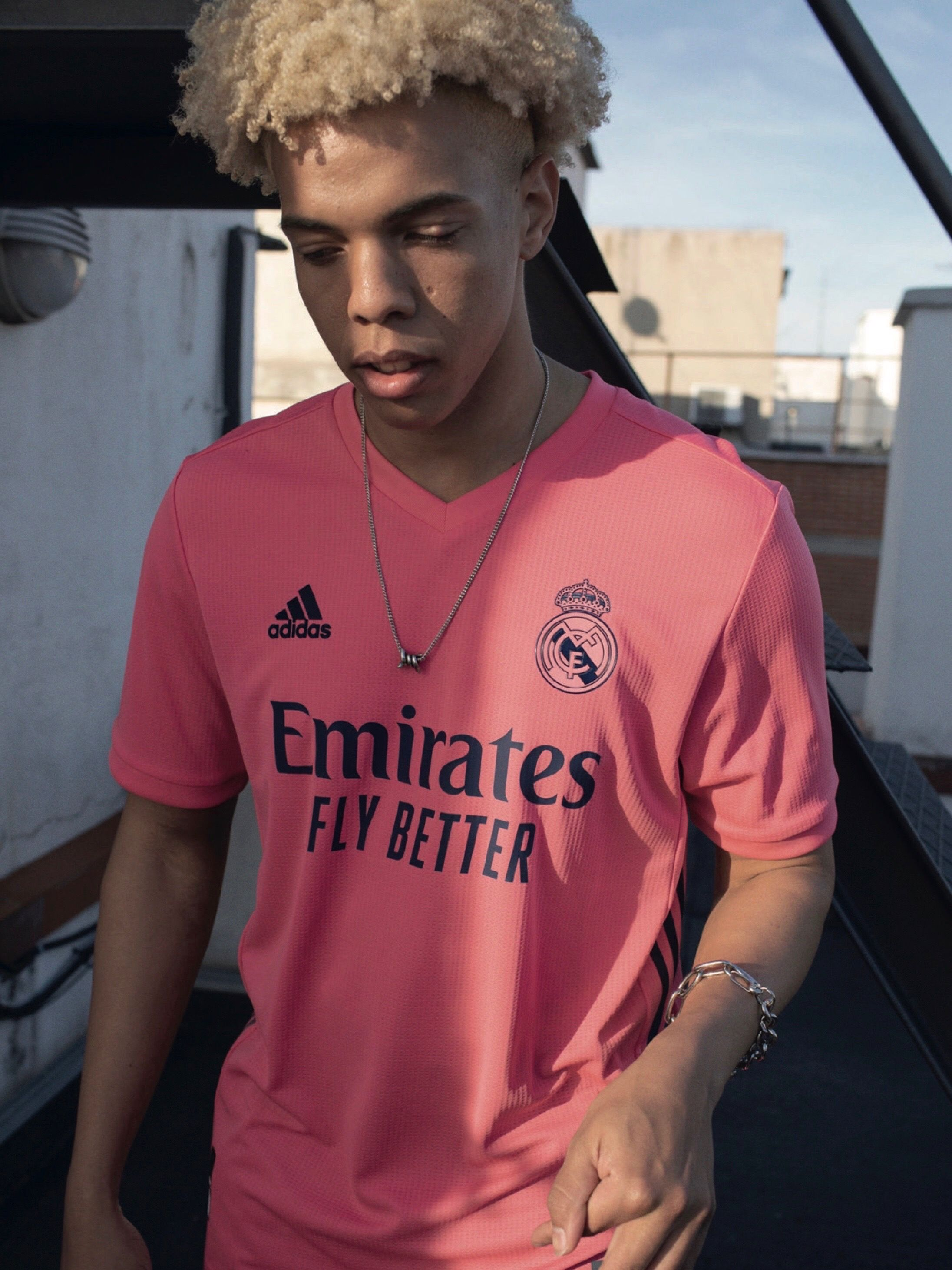 The Real Madrid 2020 21 Away Jersey Is A Bold Jersey Made For Comfort The Eye Catching Pink Away Jersey Absorbs Moisture To In 2020 Adidas Football Real Madrid Madrid