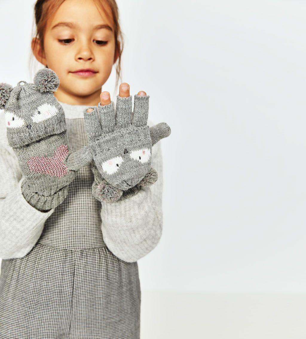 VANTAR MED DJUR OCH RUNDA TOFSAR-Mössor, halsdukar och handskar-ACCESSOARER-FLICKA   5 - 14 år-BARN   ZARA Sverige