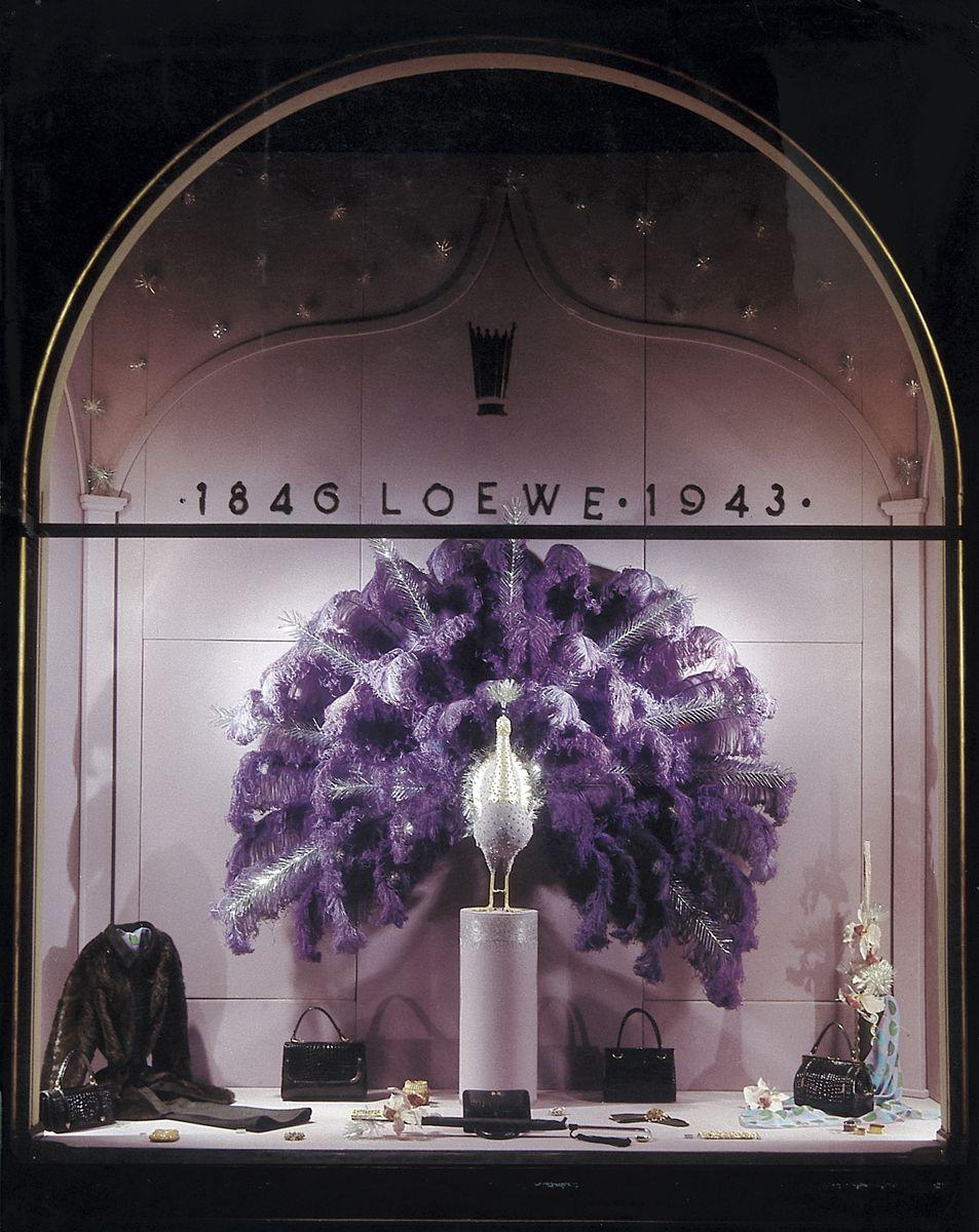 Perez De Rozas Fantastical Window Displays 1940s Click On The