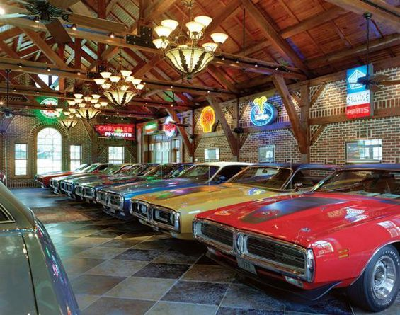Awesome garage of the day check out this awesome muscle for Cool car garage ideas