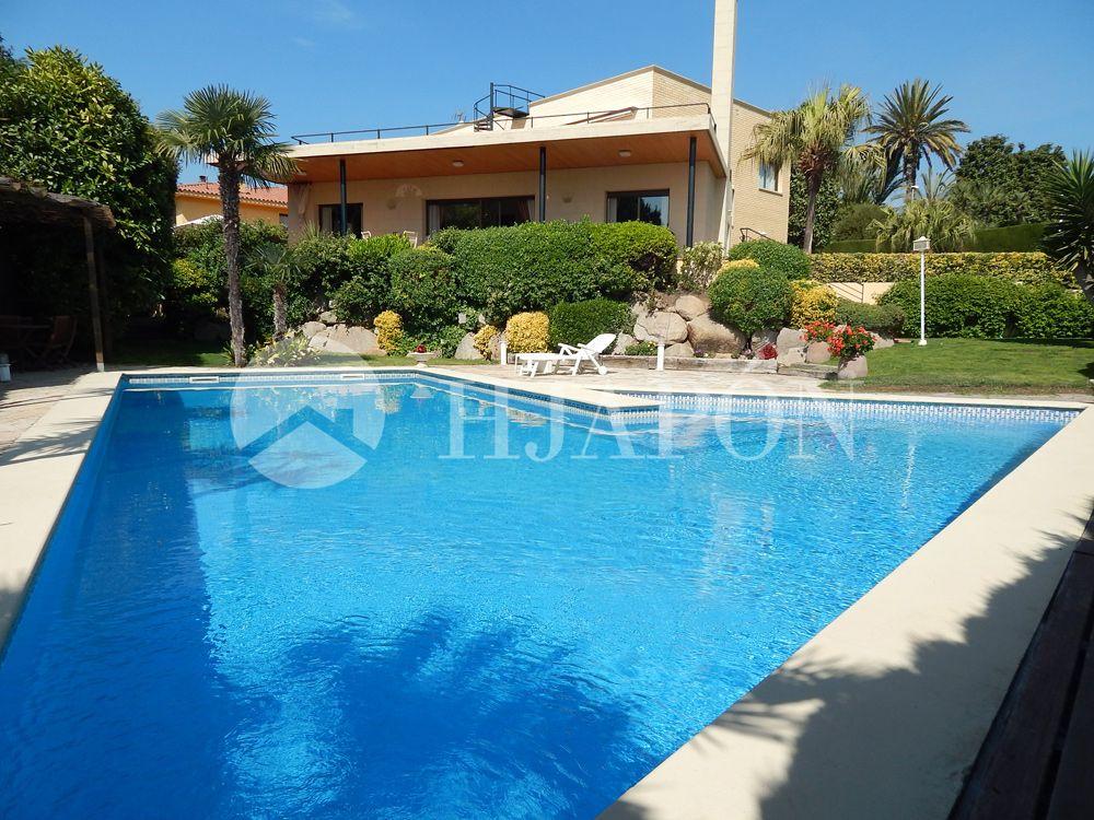 Luxury villa for sale in Alella. Barcelona Casas en