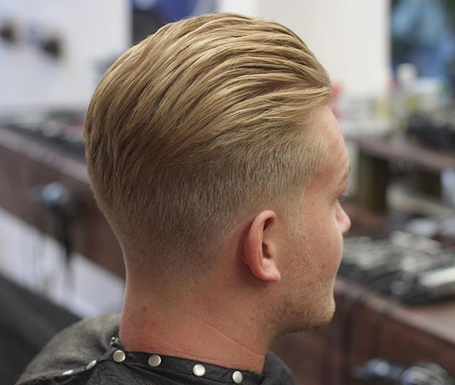 WEBSTA @ owebb17 - COUPLE SLOTS LEFT FOR SAT AFT, MESSAGE ME FOR ONE. ______________________________________________________#barber #ukbarber #prestonbarber #preston #uclan #jbbarbershop #barberlife #barbertalent #behindthechair #britishmasterbarbers #thebarberpost #showcasebarbers #barbershop #barbersinctv #barbershopconnect #menshair #mensstyle #mensfashion #menshaircut #gentshair #hairstyles #hairfashion #haircut #skinfade #fade #faded #afro #shapeup #taper #nbahaircuts #barbersinctv…