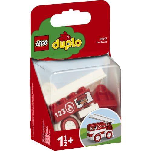 • Na małych strażaków prowadzących czerwony wóz strażacki czekają niezwykłe misje i przygody. Ten ciekawy zestaw nauczy dzieci, jak ważna jest praca zespołowa w dążeniu do wspólnego celu. • Wóz strażacki to dobry wybór na pierwszy zestaw LEGO® DUPLO® dla dziecka. Wóz ma cztery koła, na których można go popychać, nadruki chłopca i dziewczynki w oknach oraz ruchomą drabinę do akcji ratunkowych. • Zabawka inspiruje do odgrywania niezliczonych misji ratunkowych. Dzieci mogą pojechać wozem strażackim