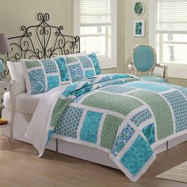 """Cotton quilt set with a patchwork-inspired motif.  Product: Twin: 1 Quilt and 1 standard sham Full/Queen: 1 Quilt and 2 standard shamsKing: 1 Quilt and 2 standard shamsConstruction Material: 100% CottonColor: BlueFeatures: Pre-washed for comfortDimensions: Standard Sham: 20"""" x 26"""" Twin Quilt: 68"""" x 86"""" Full/Queen Quilt: 86"""" x 86"""" King Quilt: 100"""" x 90""""  Note: Shams do not include inserts"""